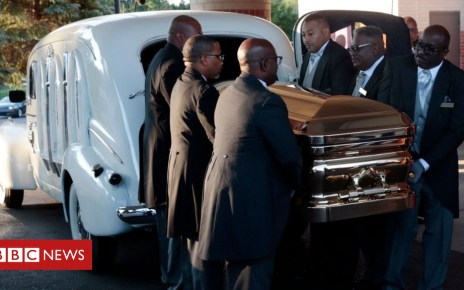 103245226 casketgetty - Aretha Franklin: Stars and fans gather for funeral
