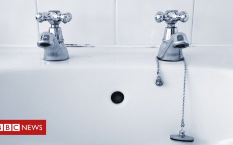 99905844 taps - Why do homes in the UK have separate hot and cold taps?