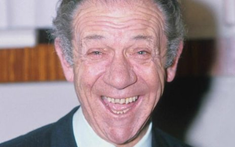 p06g91tc - Lost Sid James interview rediscovered
