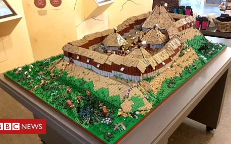 103315474 fortone - Ancient hillfort Dun Deardail recreated in Lego