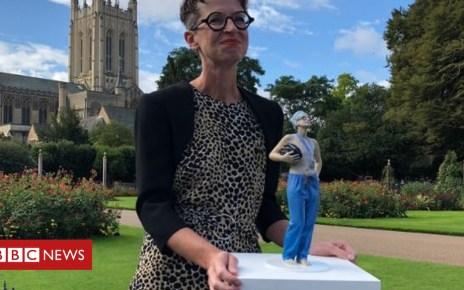 103354910 statue1 - Breast cancer surgeon Dr Liz O'Riordan unveils statue of herself