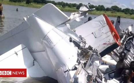 103356503 hi049165610 - South Sudan: Plane crashes into Lake Yirol 'killing 19'