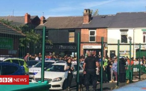 103571426 school - Sheffield Fir Vale school fight: Two injured and school closed