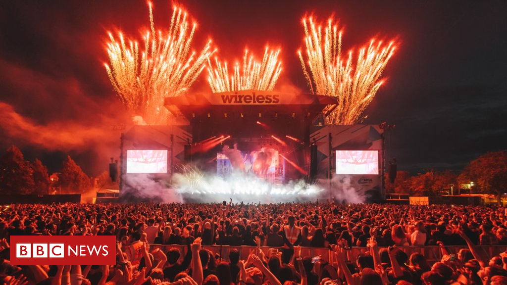 102240126 gettyimages 545606874 - Wireless Festival artists told not to swear or wear offensive clothes