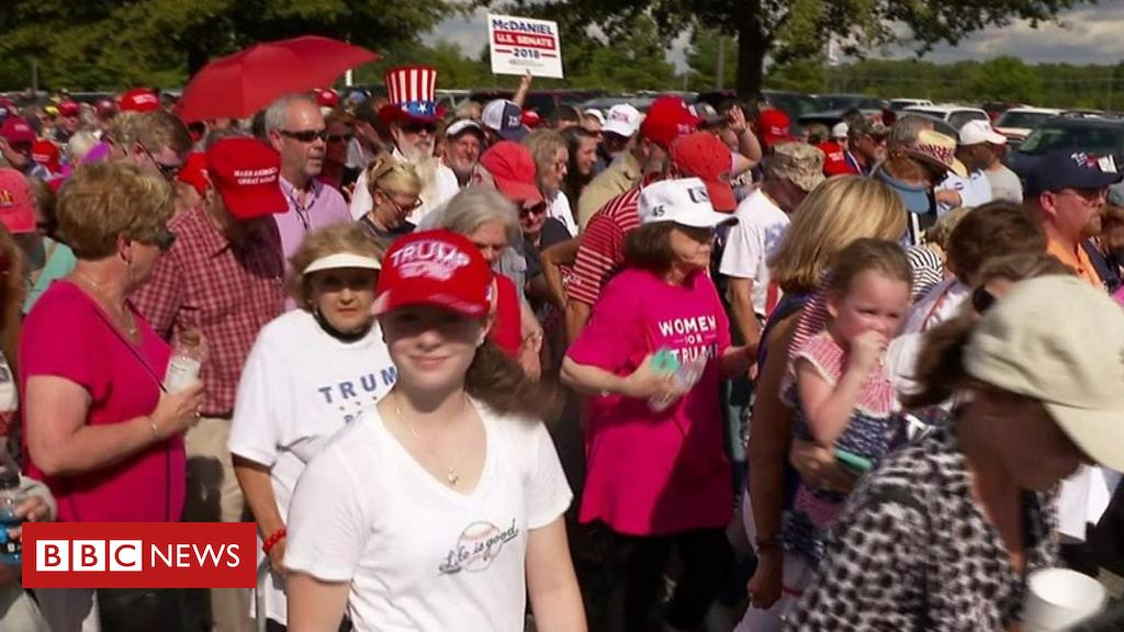 103685002 p06mty74 - Trump rally: Kavanaugh or Ford?