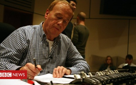 103687830 be7438d4 566a 4875 8b6a e9744b0a917a - Geoff Emerick, Beatles sound engineer, dies at 72