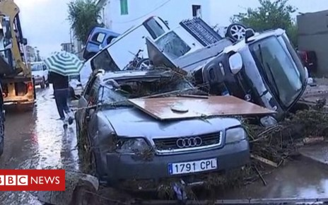 103802125 p06nh6yh - Majorca: Video shows cars floating in flash flooding