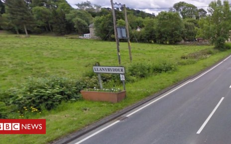 103970925 llanybydder - Three-year-old child dies in Llanybydder collision