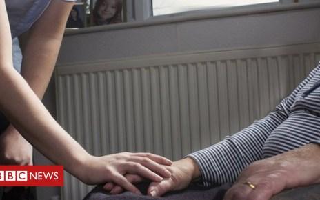 104017002 carer1 - Major home care provider 'at risk'