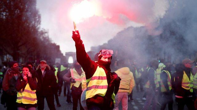 France fuel unrest 039Shame039 on violent protesters says Macron - France fuel protests: Macron drives ahead amid unrest