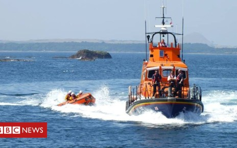 101621833 mediaitem101621832 - Children trapped by tide rescued from sea cave in Dunbar
