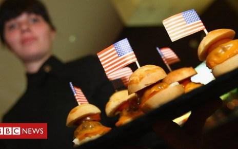 104147092 us.burgers.g - US wage growth hits nine-year high
