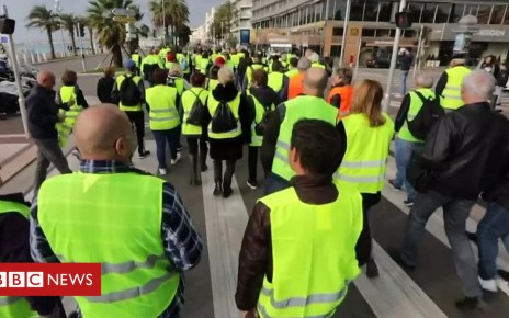 104381961 p06s3518 - France fuel protest: Thousands march in yellow vests over diesel tax