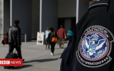 104401871 050631994 - San Ysidro border crossing briefly shut to beef up security