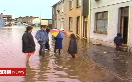 104528983 llanelliflooding - How Llanelli avoided flooding during Storm Callum