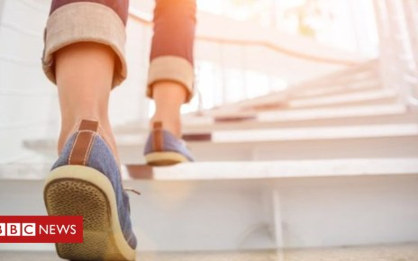 104542539  99806425 walking - China employees fined for walking fewer than 180,000 steps