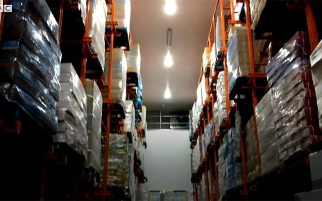 p06r5z42 - Brexit stockpiling: No room at food warehouse in Cardiff