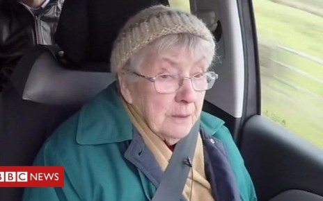 104635209 p06trxgr - The 92-year-old that depends on the community to see her husband