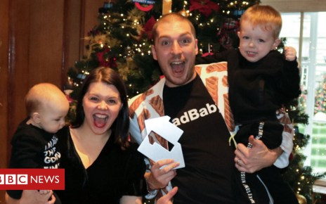104911532 ladbaby1 - LadBaby's charity sausage roll song pulls off Christmas chart upset