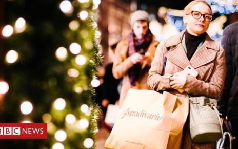 104917025 shoppinggetty1 - 'Super Saturday' fails to boost retailers