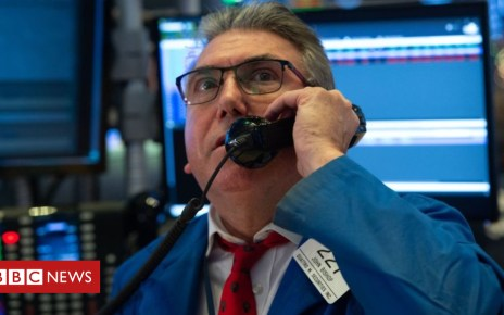 104917627 trader - US stocks suffer worst week in a decade