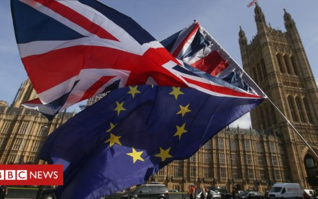 104118012 hi043459364 - Downing Street warns MPs not to block Brexit