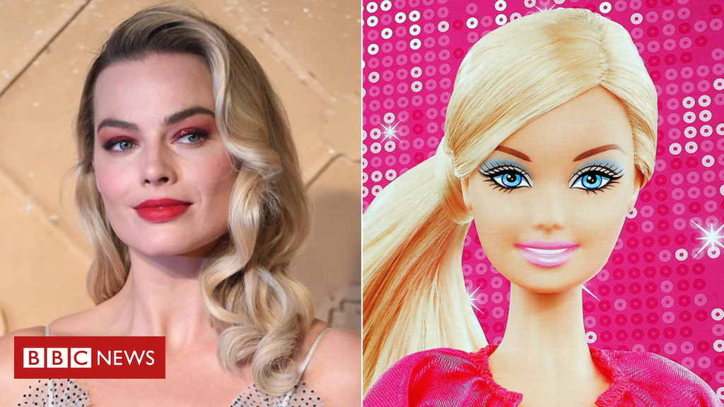 105107297 barbie1 epagetty - Margot Robbie to play Barbie in live-action film