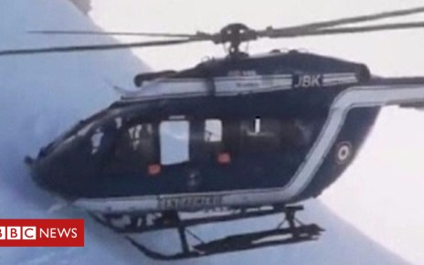 105124830 p06xn6p7 - French Alps skiers rescued in dramatic helicopter manoeuvre