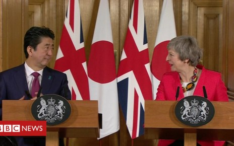 105130641 de19 - Brexit: Japan's PM says 'wish of whole world' to avoid no-deal