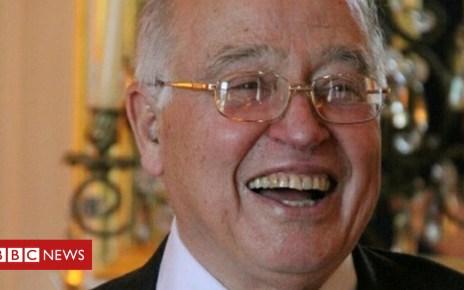 105159760 atiyah - Mathematician Sir Michael Atiyah dies aged 89