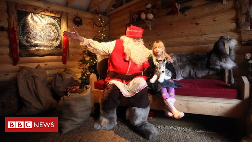 105180638 93297210 - Santa's grotto elves left unpaid for Christmas work