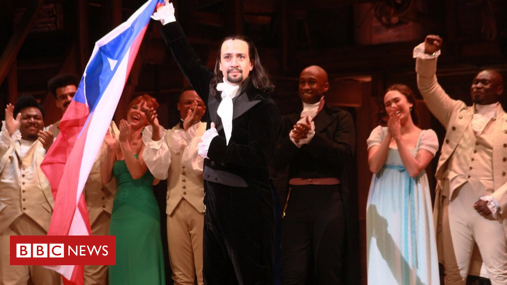 105218492 gettyimages 10812188542 - Lin-Manuel Miranda raps fan for filming Hamilton