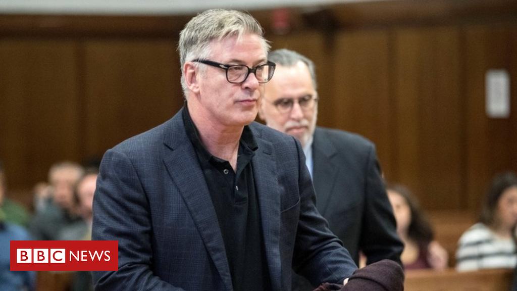 105312863 tv051849197 - Alec Baldwin pleads guilty in New York parking spot row