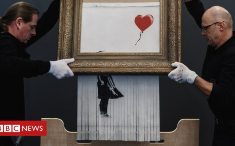 105478492 banksy - Banksy: Love in the Bin's internal shredder deactivated