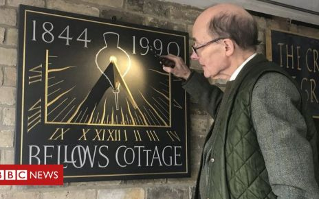 105548473 bellows - Cambridge time expert fears sundials are 'old hat'