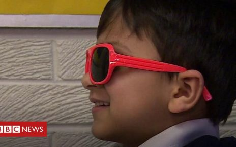 105630510 p070qysg - Glasses in school scheme to aid pupils' reading