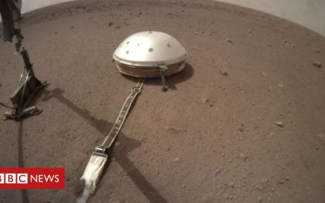 105633250 top - Nasa's InSight mission: Mars 'mole' put on planet's surface