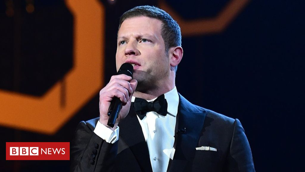 105633330 mediaitem105633329 - Dermot O'Leary quits as National Television Awards host