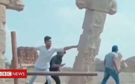 105688250 hampi - India vandals forced to fix Hampi monument pillar