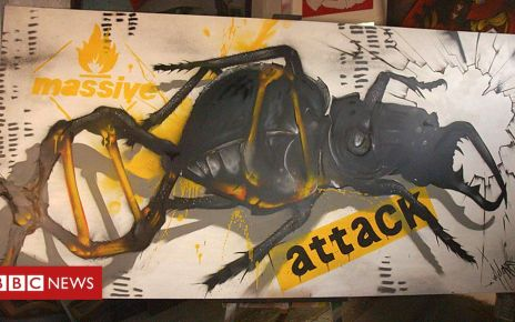 105895446 p072mjjg - Massive Attack album stored in a painting using DNA