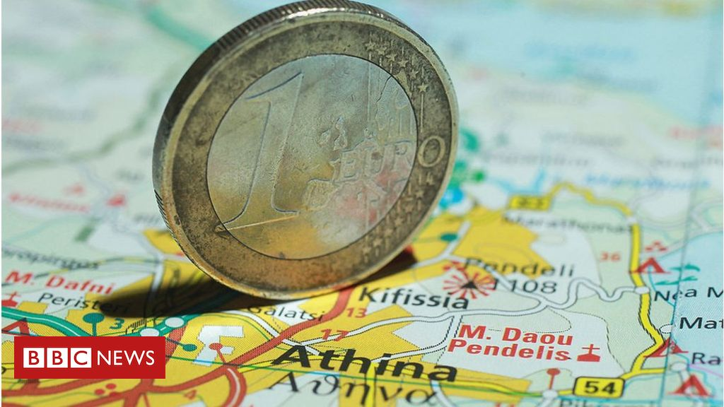 106000488 greeceeuro - IMF: Greece among best performers in eurozone