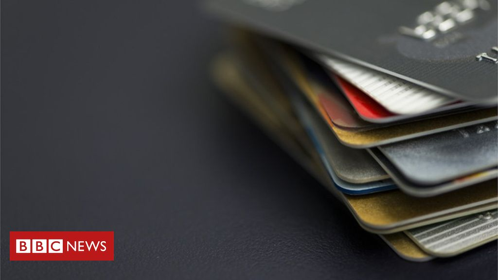 106034721 creditcards2 getty - Contactless card use surges as doubts ease