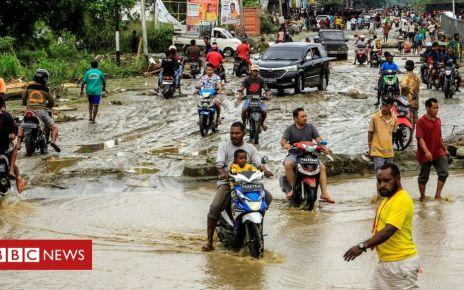 106056840 mediaitem106056839 - Indonesia floods: Dozens dead in Papua province