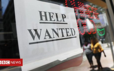 106317402 helkp2 - US job growth rebounds from 17-month low