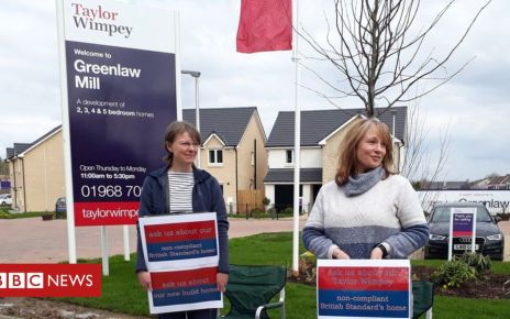 106394447 sheilaandjillprotesting - The families who took on a housing giant