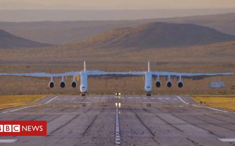 106443402 p076frg4 - Plane with the largest wingspan in the world takes flight