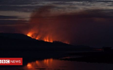 106527316 mediaitem106527292 - Series of wildfires burning on the Isle of Bute