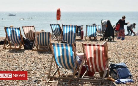 106550367 053515639 1 - UK weather: Hottest Easter Monday on record