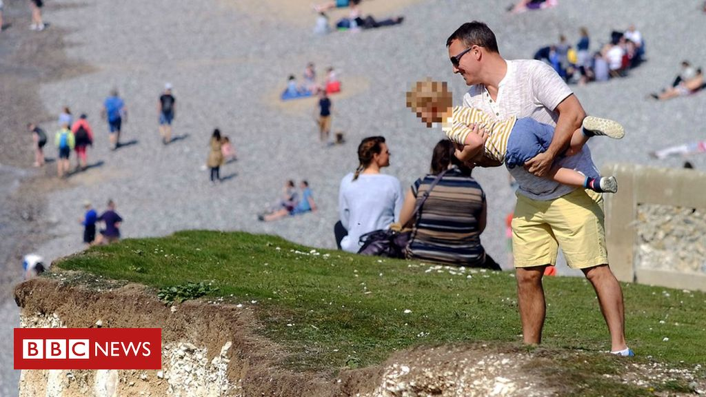 106559405 lnp cliff top pcr 9112 - Child held near cliff edge at Seven Sisters prompts warning