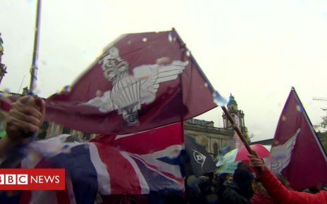 106617276 pararallyflags - Rally in support of Bloody Sunday soldier